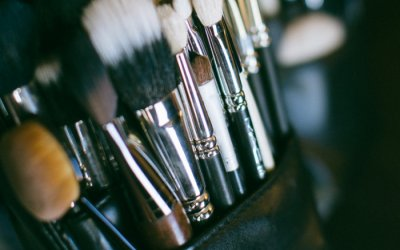 Clean Your Makeup Brushes!